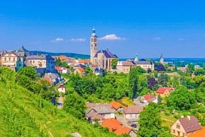 Pobyt v Penzionu Aviatik blízko Kutné Hory se snídaní a vyhlídkovým letem...