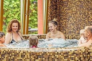 Letní Balaton s neomezeným wellness ve vyhlášeném 4* hotelu s polopenzí + pobyt i na celý týden...