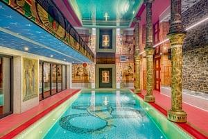 Antické lázně se slaným plaveckým bazénem pro dva na 2 hodiny...