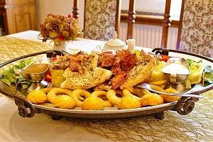 Rudolfovo plato plné dobrot pro opravdové jedlíky v Golemově restaurantu v Březiněvsi...