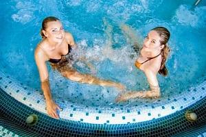 Turčianské Teplice: Hotel Rezident *** s polopenzí, aquaparkem i masáží...
