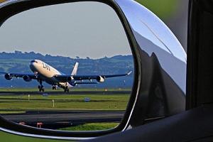 Parkovné u letiště Mošnov na 6 - 9 dní s dopravou k odbavovací hale...