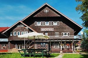3–6denní pobyt se snídaní pro 2 v hotelu U Červené lišky v Krušných horách...