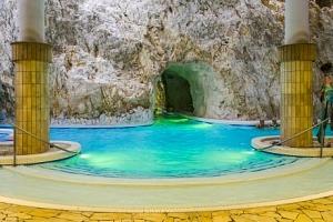 Miskolc Tapolca: Hotel Kikelet *** pouhých 500 m od jeskynních lázní + wellness...