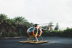 30 minut pilotem vrtulníku na zkoušku a instruktáž...