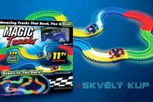 Svítící autodráha Magic Tracks se závodním autíčkem...