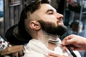 Střih nebo holení ve stylovém pánském barbershopu...