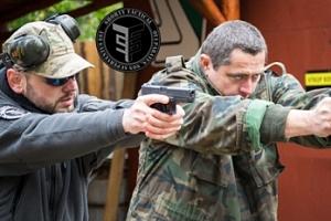 Zážitková střelba na kryté střelnici nedaleko Kutné Hory...