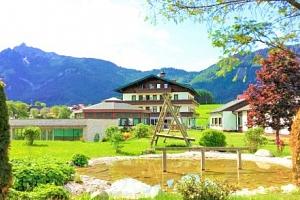 Rakousko luxusně v Hotelu Berghof Mitterberg **** s polopenzí a wellness...