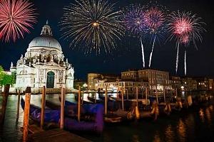 4denní silvestrovský zájezd pro 1 do Benátek a Verony s prohlídkou města i lahví sektu...