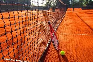 Lekce tenisu s profesionálním trenérem...