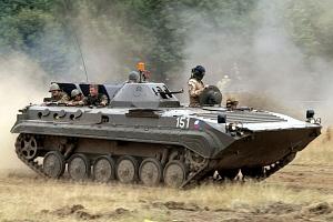 Akční jízda v obrněném transportéru BVP...