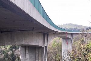 Seskok z nejvyššího mostu v ČR...