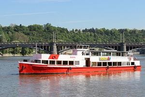 Vyhlídkové plavby po Vltavě s výkladem či rautem...