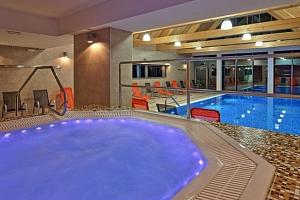 Podzim v Hotelu Bauer*** v Beskydech s wellness a polopenzí...