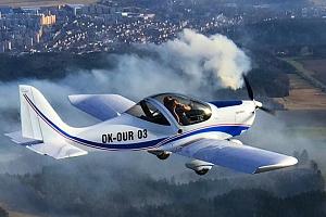 Pilotem na 20 nebo 30 minut nad Točníkem, Žebrákem, Zbirohem, Křivoklátem nebo Karlštejnem...