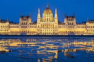 Celodenní zájezd pro 1 osobu na adventní trhy do Budapešti a s plavbou po Dunaji...