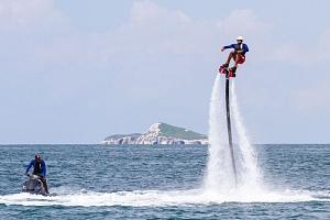 Vodní dobrodružství na Flyboardu...