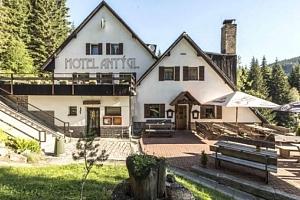 3–6denní pobyt pro 2 s polopenzí a odpolední kávičkou v hotelu Antýgl na Šumavě...