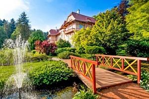 Luhačovice: Penzion Hubert se snídaní, vstupem do bazénu i prohlídkou pražírny...