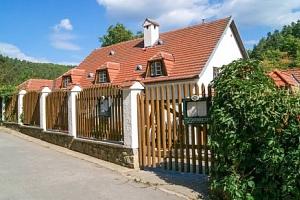 Brno v penzionu Kadlcův mlýn se snídaní v malebném Mariánském údolí...