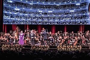 Vstupenka na sváteční koncert v podání Bohemian Symphony Orchestra Prague....
