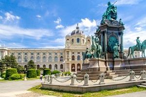 Vídeň nejen pro rodiny v A&O Wien Hauptbahnhof se snídaní přímo v centru...