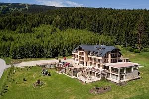Relax na Slovensku s výhledem na oravský les z hotelu Green ***...