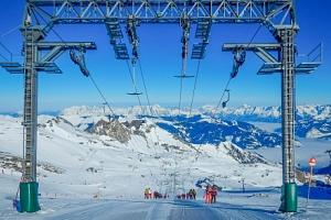 Rakousko v Hotelu Kaprun s polopenzí a saunou jen 900 m od lanovky na ledovec...