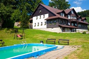 Chata pod Lipami v Krkonoších s polopenzí, bazénem a saunou...