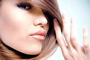 Beauty day: kosmetické ošetření nebo prodloužení řas či čokoládová masáž + gel lak dle výběru....