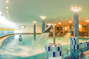 Balaton v CE Plaza Hotelu **** s neomezeným wellness a rozšířenou polopenzí...