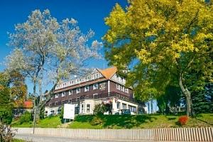Krkonoše: jaro a léto v Hotelu SPA Bílý Hořec *** s polopenzí a wellness...