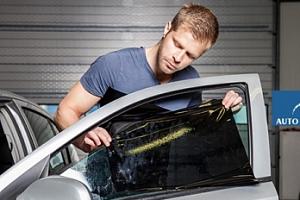Tónování autoskel speciálními ochrannými fóliemi...