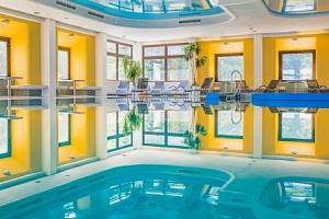 Vídeňské Alpy ve Sporthotelu am Semmering *** s polopenzí a bazénem i saunou...