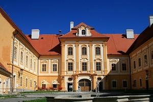 Hotel Alf v jižních Čechách s polopenzí...