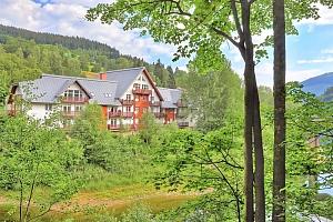 Proslulý Špindlerův Mlýn v zimě i létě v apartmánu přímo u Labské přehrady a sjezdovky...