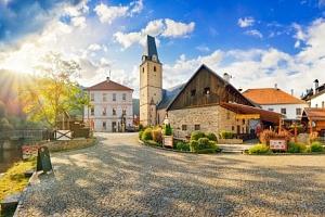 Šumava: Hotel U Martina *** přímo pod hradem Rožmberk s polopenzí a vířivkou...
