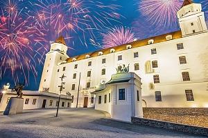Bratislava v 4* hotelu v zámeckém stylu s půjčením kol, bazénem a snídaní/polopenzí + varianta na…...
