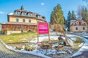 Mariánské Lázně v přepychovém Golf Hotelu Morris**** s wellness, procedurami i golfem a polopenzí +…