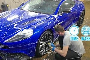Ruční mytí karosérie vozu včetně aplikace tvrdého vosku...