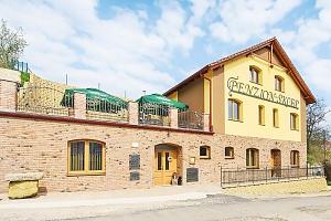 Oblíbená jižní Morava v novém penzionu s neomezenou konzumací vína a zapůjčením kol + snídaně, nebo…...