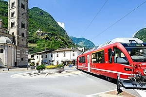 3denní zájezd pro jednoho do Švýcarska s jízdou v panoramatickém vlaku. Město Tirano, St. Moritz....