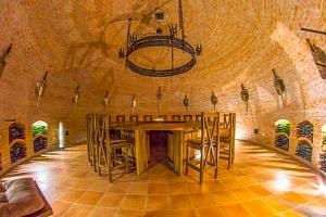 Slovácko: vinařský pobyt v Penzionu Dvůr pod Starýma horama s polopenzí...