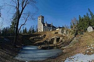 Hotel Liberecká výšina s rozhlednou a polopenzí...
