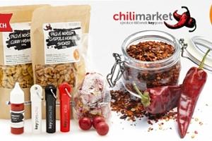 Pálivý chilli balíček: 3× klíčenka, džus, bonbóny, 2× arašídy...