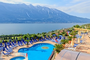 Lago di Garda od jara až do podzimu 2019 v hotelu přímo u jezera...