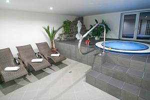 Slapská přehrada: relax v Hotelu Hrazany s polopenzí, wellness a procedurami...