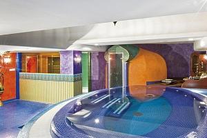 Orientální hotel s wellness u termálního jezera Hévíz v Maďarsku...