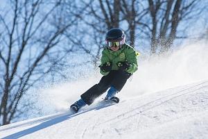 Nabitý kurz lyžování...